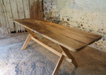 table from antique oak barnfoor planks by B3KM EcoDesign